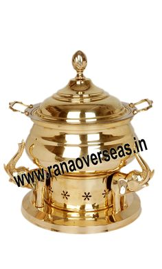 Brass Chafing Dish Mirror Finish, Corrosion resistant, Easy to clean and Perfect finish. Available Sizes :- 4 Litres, 6 Litres and 8 Litres. Applications :- Hotels , Restaurants, Caterers, Inns, Parties, Banquet Halls, Eating Outlets Brass Chafing Dishes are also ideal gift items. An extensive range of our Brass Chafing Dishes includes superior quality Decorative Brass Chafing Dishes that are fabricated from supreme quality metals. Our entire range
