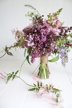 Photography by www.gretakenyon.com shot for www.magnoliarougemagazine.com, flowers by Leaf & Honey