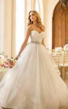 Featured Wedding Dress: Stella York