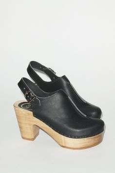 Front Seam Closed Toe Clog on Platform in Coal / no. 6 clogs