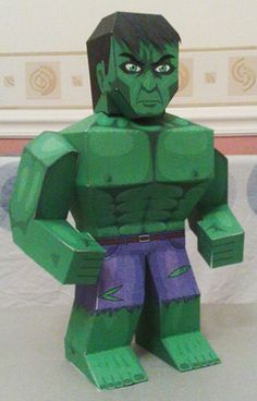 You can look like your Super Hero with this Hulk face mask ...