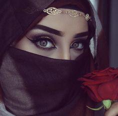 Beautiful eyes with Hijab Beautiful Muslim Women, Beautiful Hijab, Beautiful Eyes, Arab Girls, Muslim Girls, Hijabi Girl, Girl Hijab, Beau Hijab, Niqab Eyes