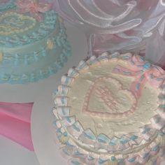 Pretty Birthday Cakes, Pretty Cakes, Cute Cakes, Birthday Ideas, Delicious Desserts, Dessert Recipes, Yummy Food, Peach Juice, Cake Board