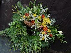 Christmas Wreaths, Floral Wreath, Plants, Home Decor, Flowers, Grief, Floral Crown, Decoration Home, Room Decor