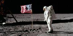Il reggipetto di Neil Armstrong.   Le tute spaziali della missione Apollo e i loro 21 strati di fashion - il primo pezzo di Tegamini per Gazduna!