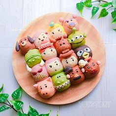 2016.12.26 . トイストーリーのちぎりパン . ん?これは誰?って子もいるけどチーズ&ベーコン入りです✨ . . #toystory #disney #disneyland #bread #homemade #kawaii #breakfast #cooking #foodstagram #instafood #pixar #foodart #トイストーリー #ディズニー #ちぎりパン #パン #キャラフード #デコパン #キャラパン #手作りパン #朝ごパン #朝ごはん #おうちパン #おうちカフェ #おうちごはん #デリスタグラマー #デコフード #ディズニーランド #おやつ #手作りおやつ Kawaii Bento, Cute Bento, Dango Recipe, Japanese Bread, Kawaii Cooking, Kawaii Dessert, Bread Art, Bento Recipes, Cute Cookies