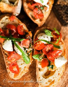 bruschetta on bread Fresh Garlic, Roasted Garlic, Tomato Basil, Oven Roast, Bruschetta, Vegan Vegetarian, Entrees, Appetizers, Bread