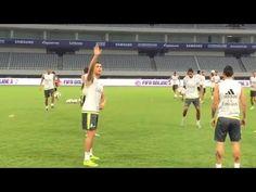 Cristiano Ronaldo Perfect No-look Pass While Waving at Fans