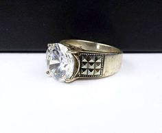Sterling Silver 8 CT CZ Cubic Zirconia Ring Simulated Diamond #sterlingsilverjewelry #Silver #vintagestyle #5thavenue #Classicstyle #Classicnevergoesoutofstyle #highfashion #Newyorkstyle #fashionista #etsy