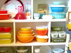 A wonderful colorful pyrex collection! And these pieces are often quite inexpensive.