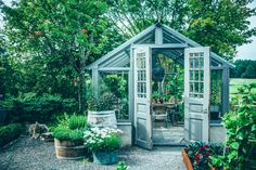 25 cute and inspiring garden shed ideas home design and interior – Artofit Backyard Greenhouse, Backyard Sheds, Backyard Landscaping, Garden Sheds, Outside Living, Outdoor Living, Outdoor Spaces, Outdoor Projects, Garden Projects
