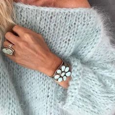 White women sweater Mohair sweater Hand Knit women cardigan Angora Wool cardigan Arm Knitting women jaket Oversize Mohair – The Best Ideas Mohair Sweater, Wool Cardigan, Knit Sweaters, Pull Mohair, Handgestrickte Pullover, Oversize Pullover, Arm Knitting, Knitting Patterns, Crochet Patterns