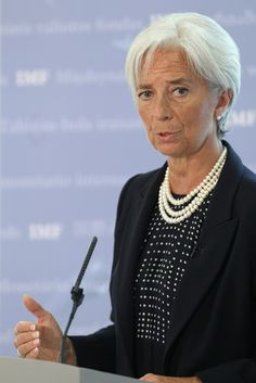 Christine Lagarde Cultured Pearls - Christine Lagarde accessorized a conservative yet chic outfit with layered pearl necklaces during her delivero of the state of the UK economy.