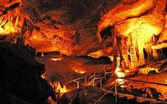 Tuckaleechee Caverns Inc.   Tennessee Vacation