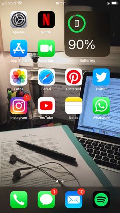 Organize Apps On Iphone, Whatsapp Apk, Whats On My Iphone, Iphone App Layout, Ideas Para Organizar, Iphone Design, Iphone Icon, Phone Organization, Iphone Photography