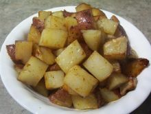Indoor Or Outdoor BBQ Potatoes. Either way they come out yummy. For better clean-up in oven you can also do the foil! Barbecue Recipes, Grilling Recipes, Cooking Recipes, Healthy Recipes, Mini Potatoes, Roasted Potatoes, Potato Vegetable, Side Dish Recipes, Side Dishes
