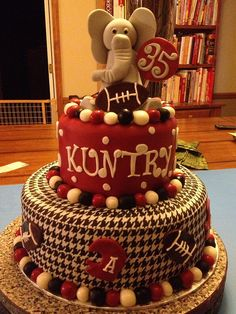 I love this cake, but it would be better if it was LSU instead of Alabama. Geaux Tigers!!