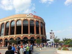 Front gates ay Citi Feild (N.Y. Mets