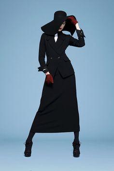 Saint Laurent Pre-Fall 2010 Collection Photos - Vogue