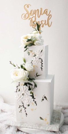 79 wedding cakes that are really pretty - Wedding hairstyles Wedding makeup Nail Art Designs Pretty Wedding Cakes, Square Wedding Cakes, Square Cakes, White Wedding Cakes, Elegant Wedding Cakes, Wedding Cake Designs, Wedding Desserts, Raisin Cake, Cake Structure