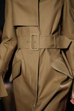See detail photos for Derek Lam Fall 2016 Ready-to-Wear collection.
