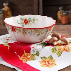 The Pioneer Woman Holiday Cheer 10 quot Serving Bowl The Pioneer Woman, Pioneer Woman Dishes, Pioneer Woman Kitchen, Pioneer Woman Recipes, Pioneer Women, Pioneer Woman Dinnerware, Christmas Dishes, Christmas Dinnerware, Christmas China