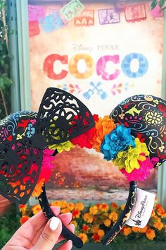 Nearly a year after the widely adored movie's release, Coco-inspired Minnie Mouse ears have finally arrived at Disney California Adventure. Disney Minnie Mouse Ears, Diy Disney Ears, Disney Diy, Mickey Ears Diy, Disney Ears Headband, Disney Headbands, Crafts For Teens To Make, Diy And Crafts, Disney Crafts For Adults