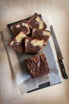 Tutorial para hacer Bizcocho marmolado de vainilla con chocolate. #IdeasPostres