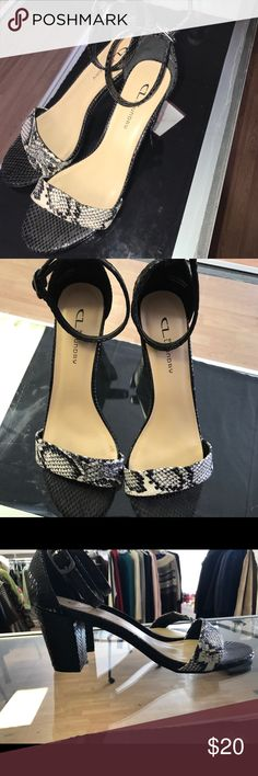 CL by Laundry Heels!! Perfect heels to pair with jeans and a casual shirt, will add life to any outfit!! Only worn once💋 Rattlesnake texture and feel all around the heel Chinese Laundry Shoes Heels