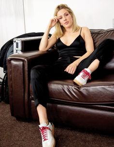 Ellie Goulding ✾ backstage at Motorpoint Arena Cardiff Ellie Goulding, Indie Pop, Glamour, Music Icon, Dressy Outfits, Female Singers, My Favorite Music, Woman Crush, Record Producer