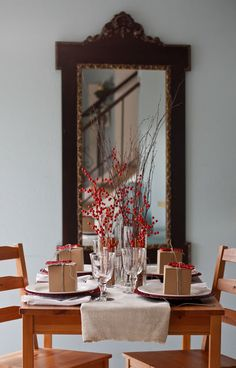 simple holiday tabletop // #red #berries #christmas