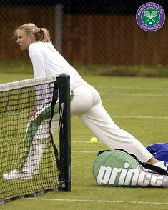 Maria Sharapova Hot, Sharapova Tennis, Sharapova Bikini, Ben Hogan Golf Swing, Maria Sarapova, Beautiful Athletes, Tennis Players Female, Tennis Fashion, Gymnastics Girls