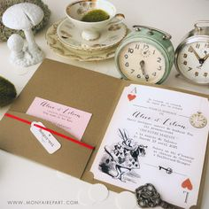 Faire part mariage pochette sur la thématique d'Alice aux pays des merveilles pour une invitation féerique, ref N92006