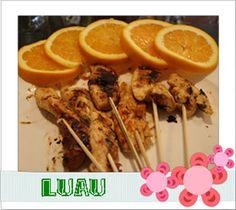 Luau Thai Chicken Hawaiian Desserts, Hawaiian Luau Party, Hawaiian Theme, Hawaiin Appetizers, Appetizer Recipes, Luau Anniversary Party, Luau Food, Pineapple Slices, Thai Chicken