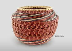 Valdemara : Flo Hoppe Interesting article about her life in Basketry!