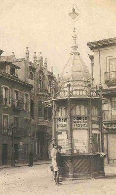 Kiosko La Farola en la plaza del 6 de Agosto. Inaugurado en 1914