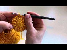 Tutorial krukhoesje of poef met ribbel haken - Jip by Jan