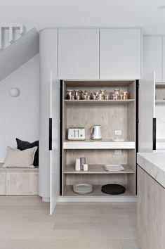 Modern built-in pantry design in polytec angora oak woodmatt modern kitchen Kitchen Pantry, Kitchen And Bath, New Kitchen, Kitchen Storage, Kitchen Appliances, Hidden Kitchen, Micro Kitchen, Wolf Appliances, Bosch Appliances