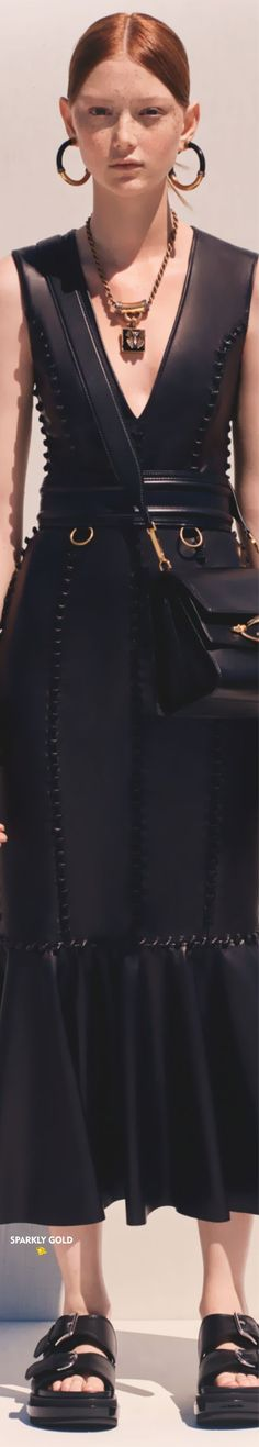 Alexander McQueen Resort 2020 | Sparkly Gold :: Alexandre Mcqueen, Alexander Mcqueen Couture, Her Style, Mc Queen, Dresses, Gold, Fashion, Vestidos, Moda