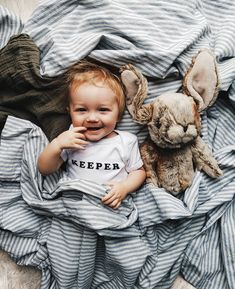 Photography inspiration for your little ones. Baby Boy Clothes Hipster, Baby Boy Outfits, Cute Kids, Cute Babies, Baby Kids, Baby Baby, Baby Images, Baby Pictures, Scandinavian Baby