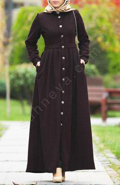 Pileli Pıtırcık Pardesü - Bordo Kırçıllı Niqab Fashion, Modern Hijab Fashion, Muslim Women Fashion, Islamic Fashion, Fashion Outfits, Mode Abaya, Mode Hijab, Hijab Style Dress, Hijab Fashionista
