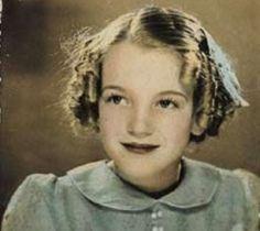 Una dulce niña de infancia triste terminó convirtiéndose en Marilyn Monroe.