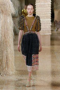 e429e72a0e22 Ulla Johnson Spring 2019 Ready-to-Wear Collection - Vogue Abiti Di Moda
