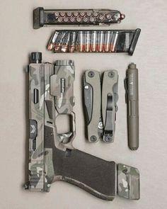 I love this gear setup Tactical Equipment, Tactical Gear, Tactical Survival, Weapons Guns, Guns And Ammo, Glock Guns, Armas Airsoft, Shooting Guns, Custom Guns