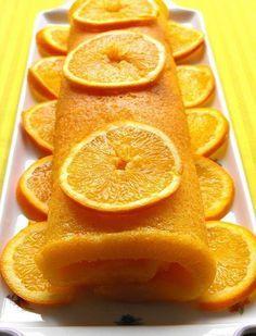 Hoje trago uma torta de laranja (sim, eu sei, estão todos a rebentar de açúcar!!!! Mas anotem a receita e façam mais tarde...) que está no...