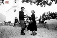 Greece Pictures, Old Pictures, Old Photos, Greek Culture, Samos, Crete Greece, Lets Dance, Yesterday And Today, Athens
