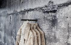 #Rockthatwall #kledingkast #kledingrek #beton #concrete #clothes