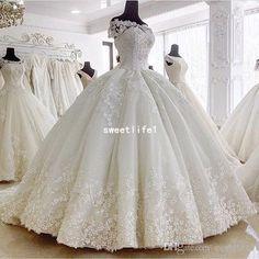 Love the big ball gown skirt #WeddingDresses50s
