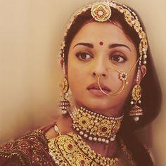 Ideas Indian Bridal Jewelry Aishwarya Rai For 2019 Indian Bridal Fashion, Indian Wedding Jewelry, Indian Jewelry, Bridal Jewelry, Indian Weddings, Bridal Accessories, Aishwarya Rai Photo, Actress Aishwarya Rai, Aishwarya Rai Bachchan