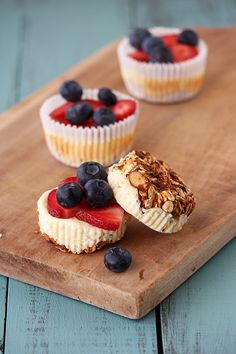 Cupcake Recipes : Handle the Heat Breakfast Cheesecake Cupcakes : Dessert Recipes Breakfast Cheesecake, Cheesecake Cupcakes, Cheesecake Bars, Cheesecake Recipes, Cupcake Recipes, Baking Recipes, Cupcake Cakes, Dessert Recipes, Healthy Cheesecake